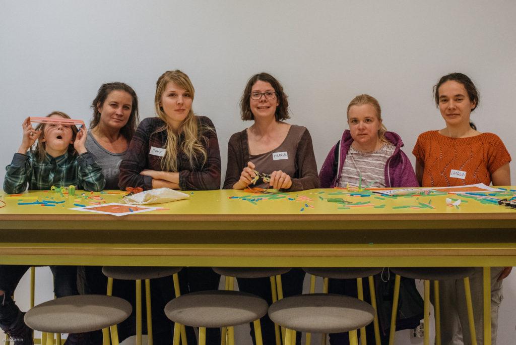 Bodil Johansson, Emy Spjuth, Marie Gustafsson Friberger, Cecilia Leijon och Katalin Szasz (och en Geek Girl Mini längst till vänster)